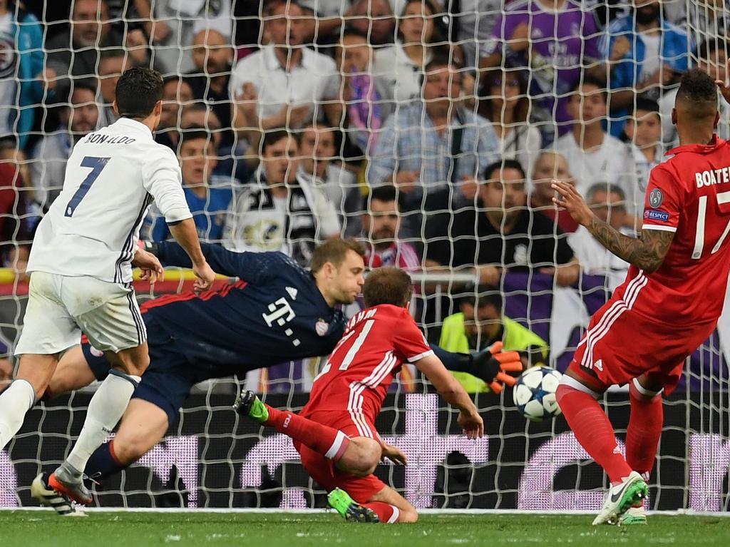 Ronaldo anotó en Bernabéu frente al Bayern sus goles 99, 100 y 101. (Foto: Getty)