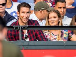 Feyenoord-nieuweling Brad Jones moet de laatste oefenwedstrijd van zijn club, tegen Valencia, vanaf de tribunes toekijken. Jones kampt met een spierblessure. (23-07-2016)