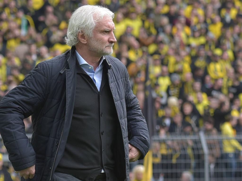 Leverkusens Sportchef Rudi Völler mahnt zur Ruhe