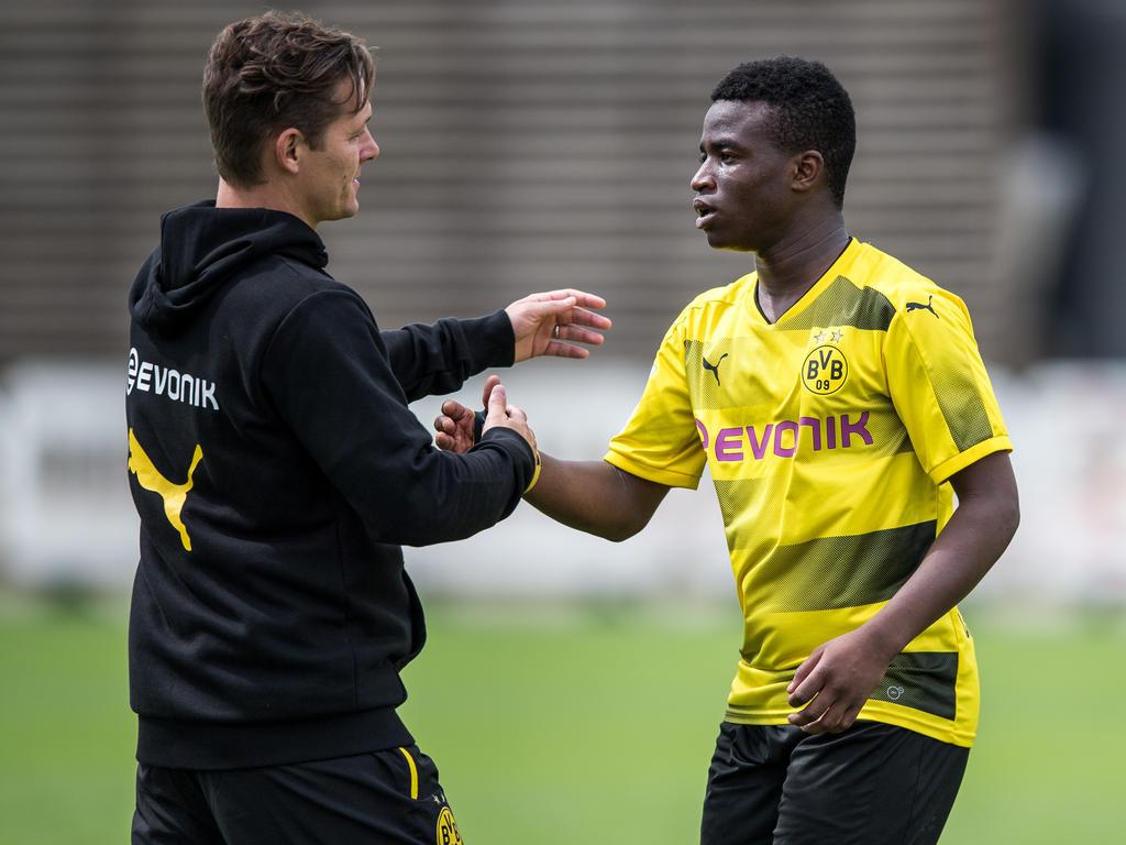 BVB-Wunderkind Moukoko trifft doppelt gegen Schalke