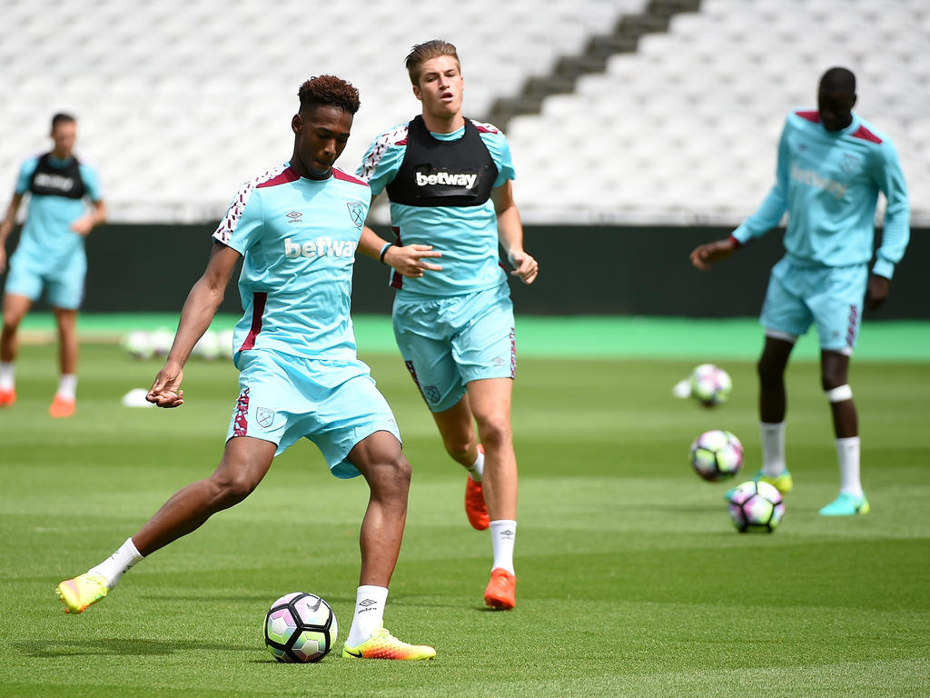 Gladbach will West Hams Reece Oxford ausleihen