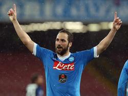 Gonzalo Higuaín schoss Napoli wieder auf Platz 2