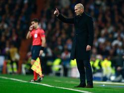 Zinedine Zidane en un partido en el Santiago Bernabéu. (Foto: Getty)