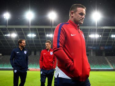 Wayne Rooney wird von Interimstrainer Gareth Southgate in Slowenien auf die Bank verbannt