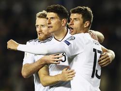 André Schürrle (2), Mario Gomez und Thomas Müller trafen für das DFB-Team (v.li.n.re.)