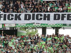 Wolfsburg-Fans zeigten vor der Partie gegen Dortmund ein Banner