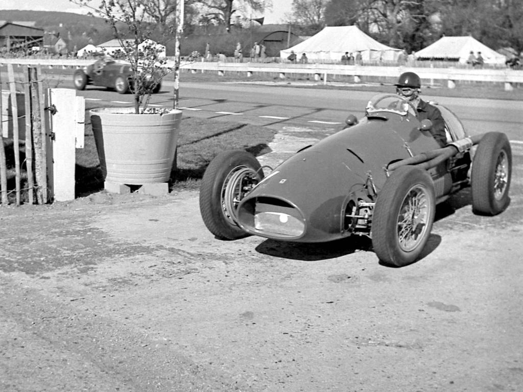 1954: 553 F1