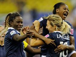 Die französischen U20-Frauen bejubeln den Halbfinaleinzug