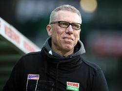 Kölns Trainer Peter Stöger freut sich über die schwindenden Personalprobleme