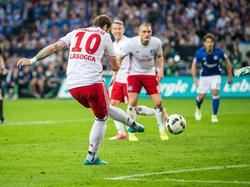 PIerre-Michel Lasogga rettete dem HSV einen Punkt gegen den FC Schalke