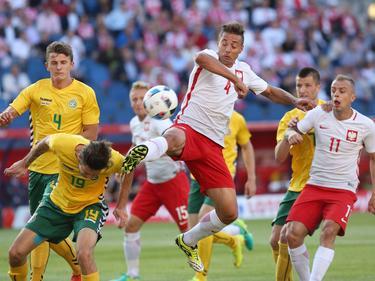 Thiago Rangel Cionek (M.) und die polnische Nationalmannschaft kamen nicht über ein 0:0 hinaus