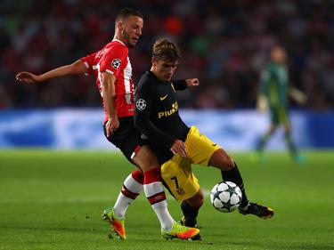 Bart Ramselaar (l.) gab sein CL-Debüt gegen Antoine Griezmann und Atlético Madrid
