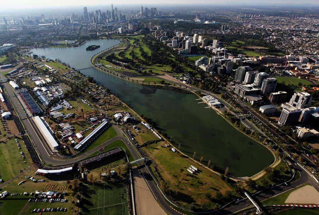 MELBOURNE: Überraschung zum Auftakt