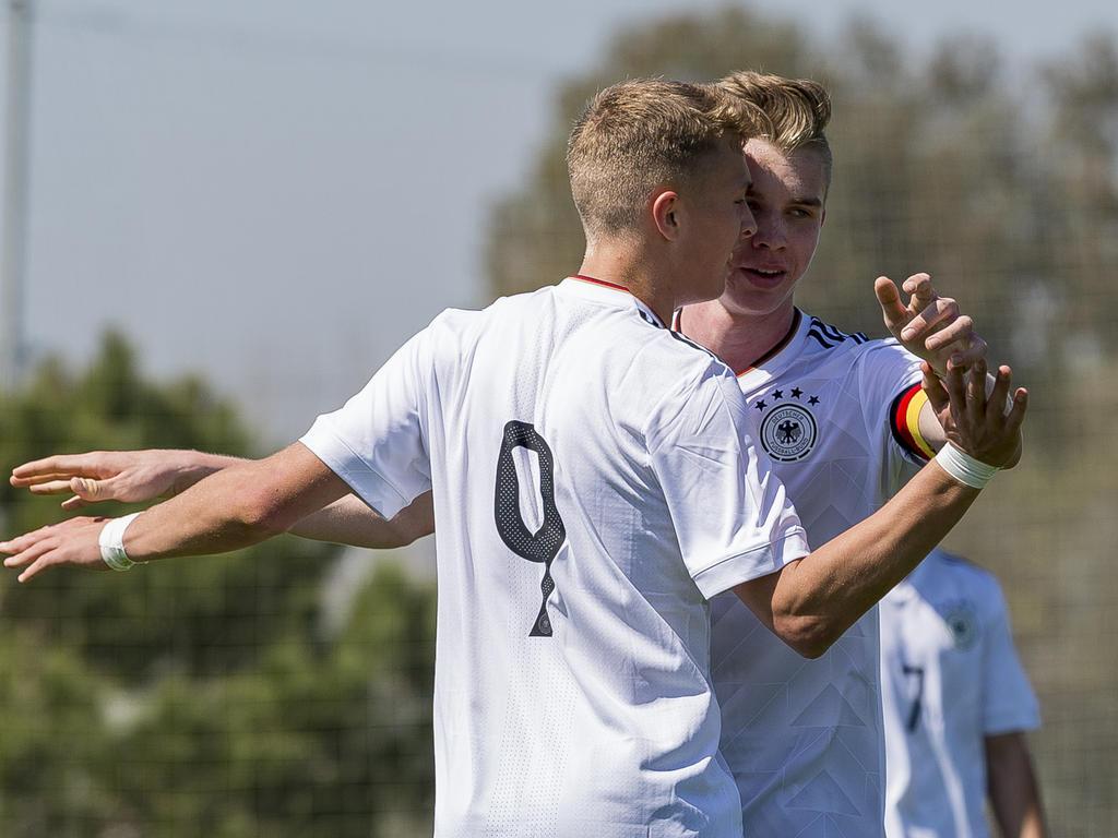 Fußball: HSV: Gisdol will Supertalent Arp