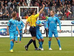 Fabian Baumgärtel (r.) von den Stuttgarter Kickers ist für drei Spiele gesperrt worden