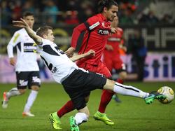 Toni Vastić biss sich Am Altacher-Defensivverbund, hier mit Lukas Jäger, die Zähne aus