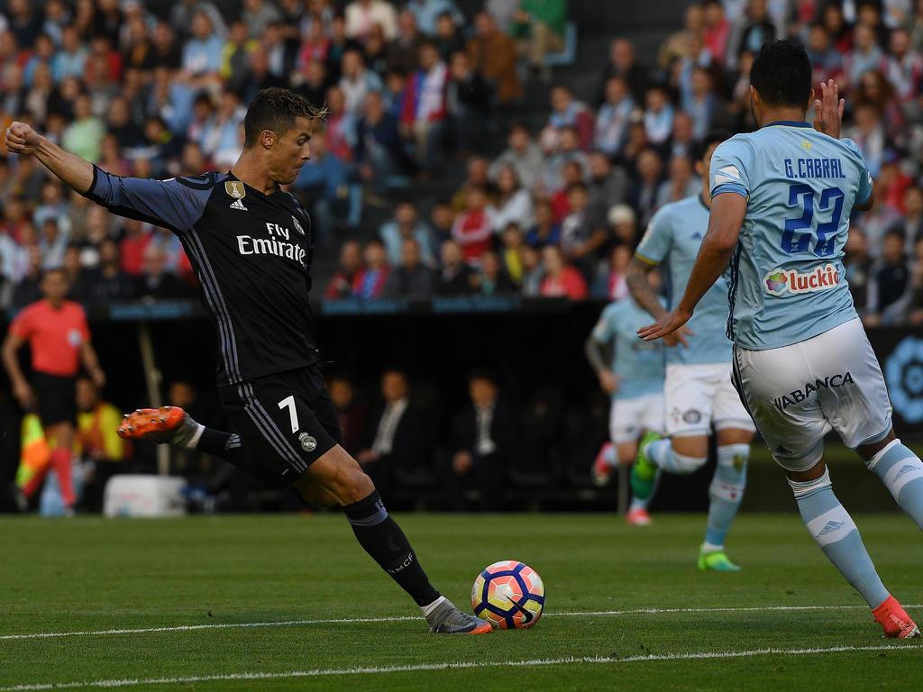 Fußball: Real hat eine Hand am Meistertitel