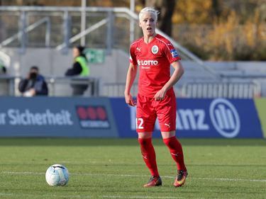 Die Kanadierin Sophie Schmidt bleibt beim FFC Frankfurt