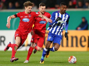 Kalou (r.) fällt gegen den VfB Stuttgart definitiv aus