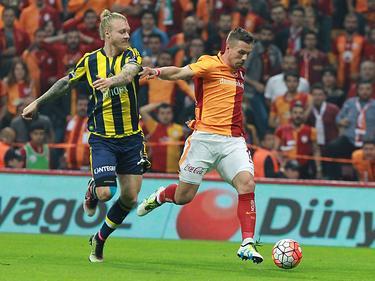 Lukas Podolski (r.) trifft mit Galatasaray im Finale auf Fener