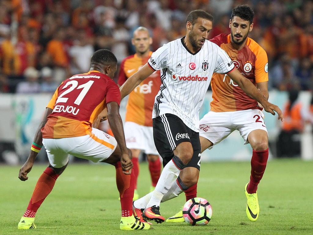 Cenk Tosun (m.) rettete Beşiktaş einen Zähler