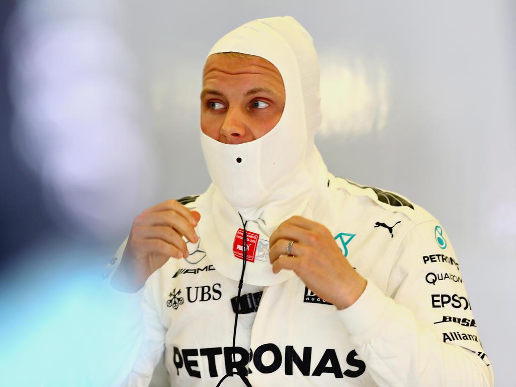 Lewis Hamilton hängt Sebastian Vettel ab