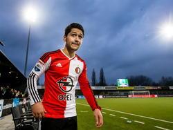 Anass Achahbar loopt uiterst koel richting de kleedkamers na FC Dordrecht - Feyenoord. Onvoorstelbaar, want de spits heeft als invaller Feyenoord naar de overwinning gekopt in de blessuretijd. (15-03-2015)