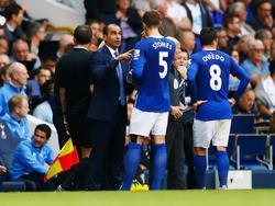 Evertons Teammanager Roberto Martínez nimmt John Stones in Schutz