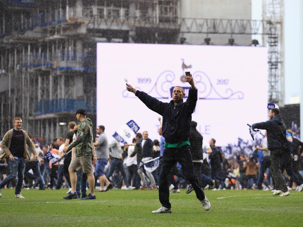 Verärgerter Manchester-Coach Mourinho bricht Interview ab