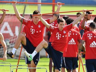 Niklas Süle (l.) und Sebastian Rudy machen sich beim FC Bayern fit