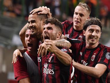 Die Rossoneri bejubeln den ersten Treffer von Patrick Crutone