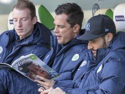 Marcel Schäfer (M.) könnte beim VfL Wolfsburg Nachfolger von Allofs werden