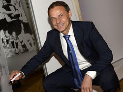 Olaf Thon setzt im Revierderby gegen den BVB auf seine Schalker