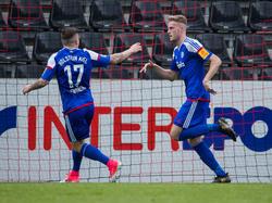 Marvin Ducksch (re.) traf für Kiel doppelt