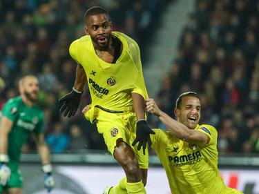 Bakambu anotó el segundo de sus goles con la mano. (Foto: Getty)