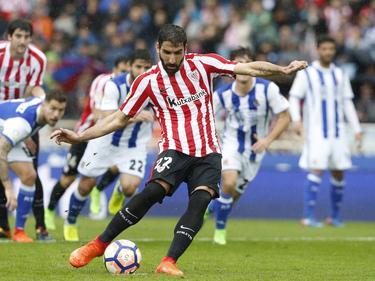 Raúl García adelantó a los suyos de penalti. (Foto: Imago)