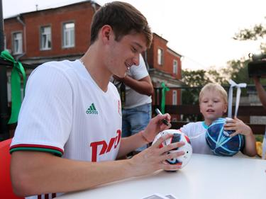 Signiert Aleksey Miranchuk bald die Souvenirs der Bayern-Fans?