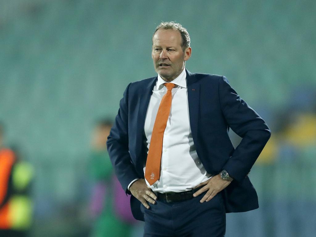 El seleccionador de Holanda, Danny Blind, en el partido de Bulgaria. (Foto: Imago)