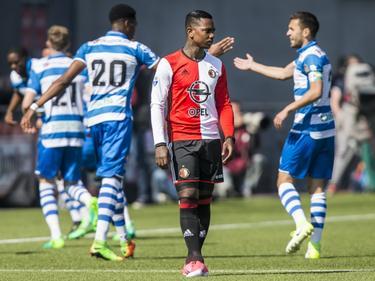 Eljero Elia (m.) baalt als een stekker, want Feyenoord heel vroeg in de wedstrijd op een 1-0 achterstand tegen PEC Zwolle.  (09-04-2017)