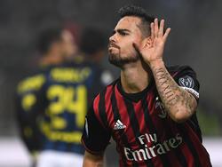 Suso celebra un tanto frente al eterno rival, el Inter de Milán. (Foto: Getty)