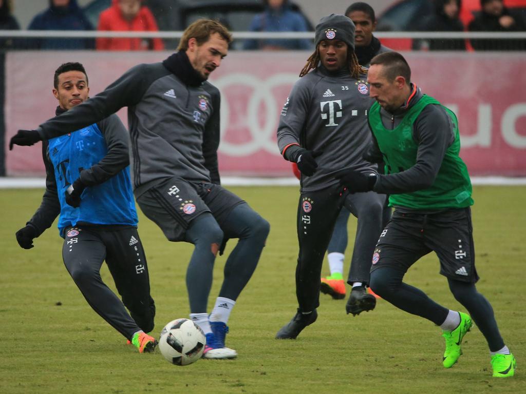 Ribéry (r.) fehlte den Bayern seit Ende Januar