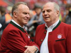 Karl-Heinz Rummenigge (l.) hält sich offen, ob weitere Transfers folgen