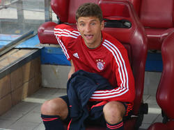 Thomas Müller sah die ersten Minuten in Madrid von der Bank aus