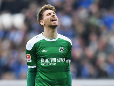 Der Abstieg mit Hannover 96 kostet Torwart Ron-Robert Zieler den EM-Platz