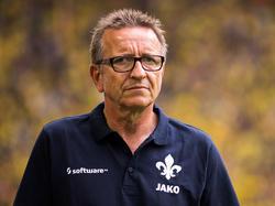 Norbert Meier sieht sein Team gegen Leipzig nicht chancenlos