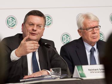 Reinhard Grindel (l.) und Reinhard Rauball mit einem Appell für die Pressefreiheit