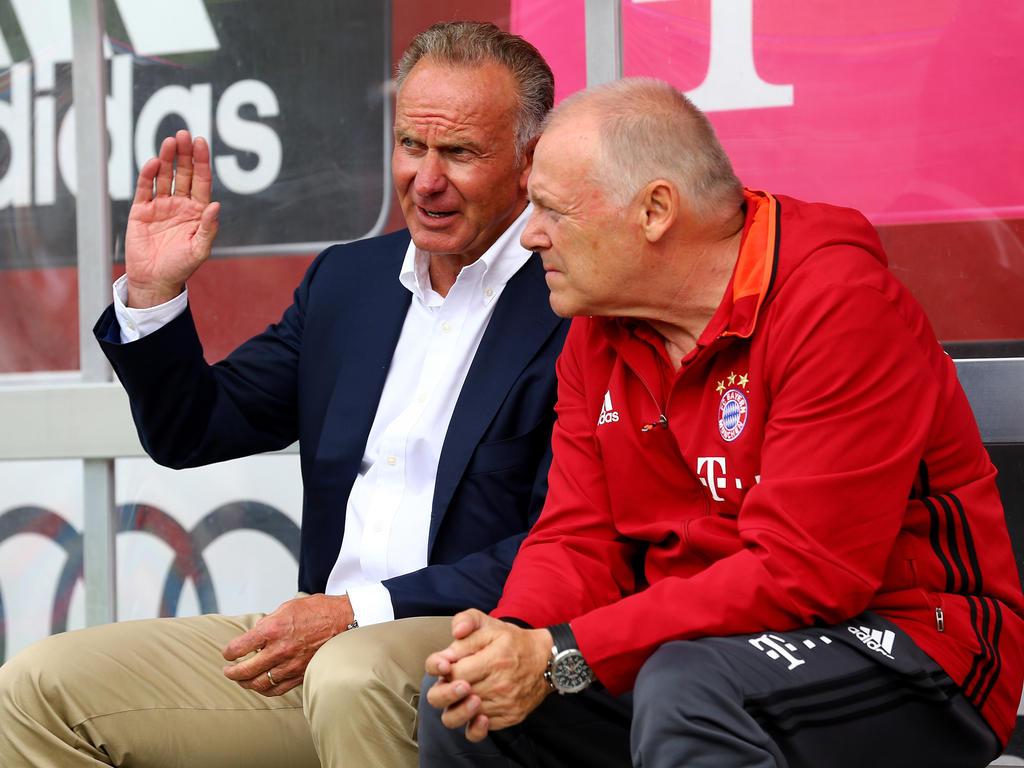 Karl-Heinz Rummenigge (l.) hat kein Verständnis für die Aussagen von DFL-Boss Seifert