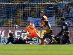 Raphael Schäfer musste sich in Braunschweig insgesamt sechs Mal geschlagen geben