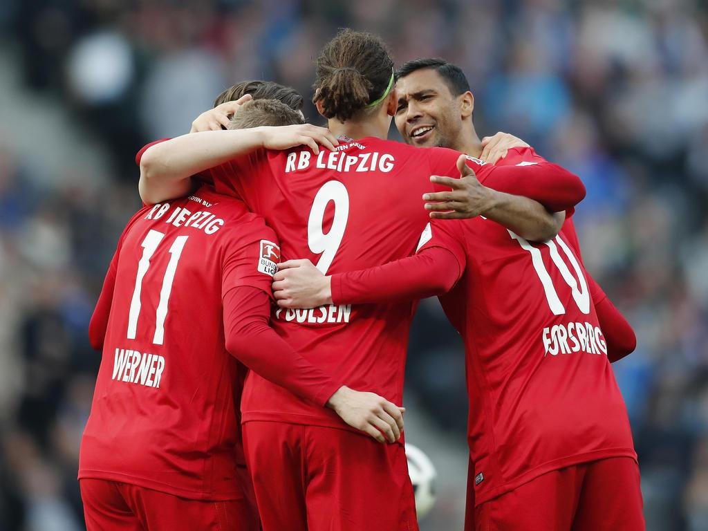 Einsatzbereit gegen Leipzig : Pekarik bei Hertha wieder im Mannschaftstraining