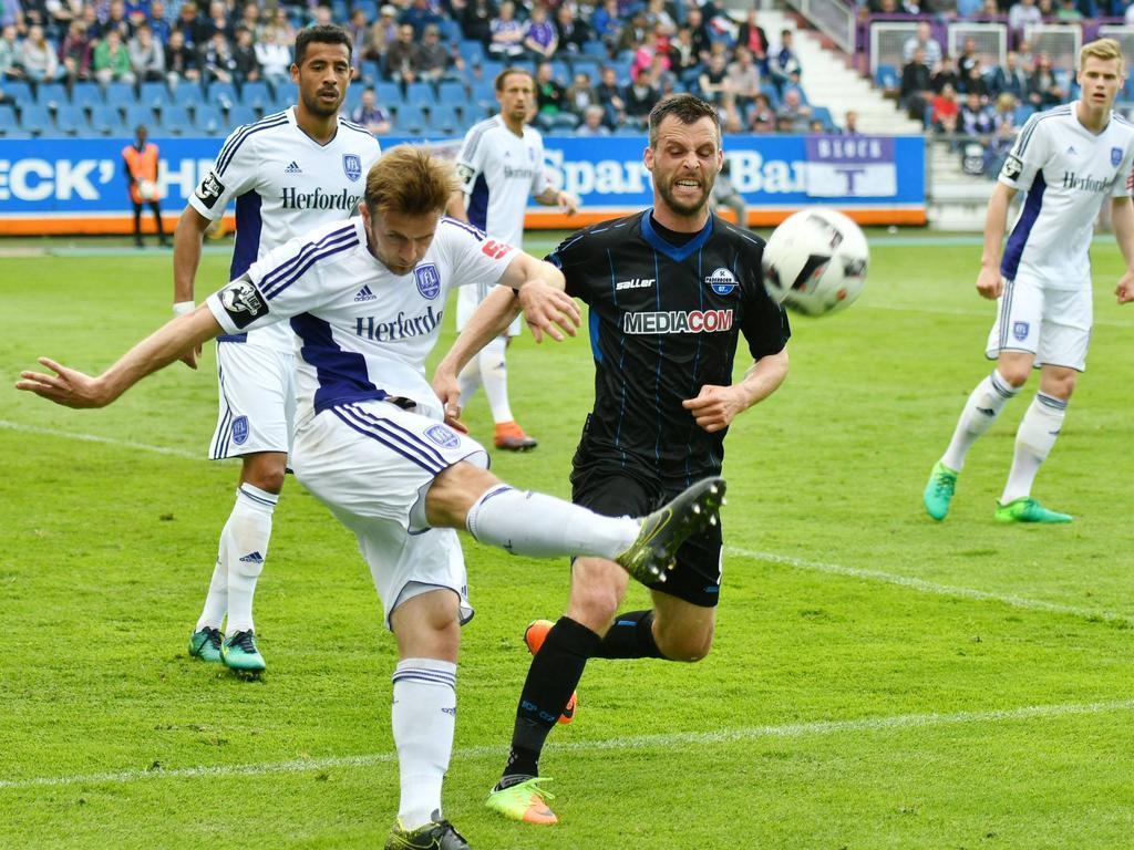 Fußball: 3-Liga: Regensburg in der Relegation - Paderborn steigt erneut ab